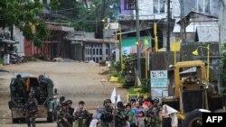 Philippines gia hạn tình trạng thiết quân luật thêm một năm nữa ở khu vực Mindanao.