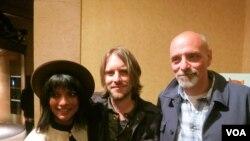 Слева направо: Смрити Кешари, Кевин Форд и Эрик Шлоссер.Photo: Oleg Sulkin