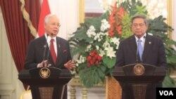 Tổng thống Indonesia Susilo Bambang Yudhoyono và Thủ tướng Malaysia Najib Razak tại dinh tổng thống Indonesia, Jakarta 19/12/13