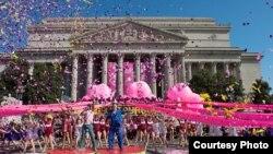Cuộc Diễu hành Lễ hội Hoa Anh đào Quốc gia ở Washington (Nguồn: National Cherry Blossom Festival)