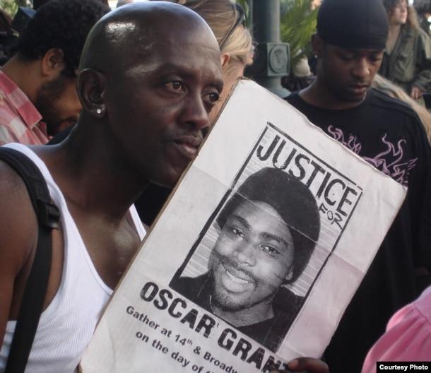 Nhiều người Mỹ da đen không tin tưởng vào nền công lý Hoa Kỳ (ảnh Bùi Văn Phú)