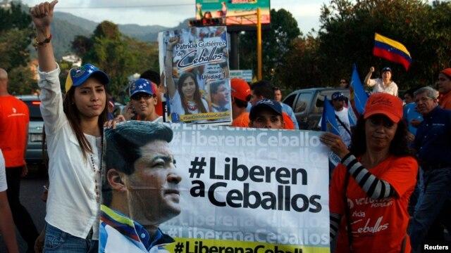 Abogado confirma que tribunal dejó en libertad a exalcalde de San cristóbal, Daniel Ceballos, pero seguirá preso por otro proceso.