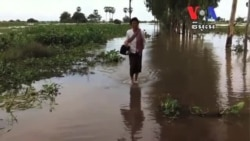 Ongoing Floods Hinder Cambodian Festival