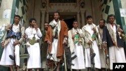 Naoružani pripadnici plemena, čiji vođa je Šeik Sadik al-Ahmar