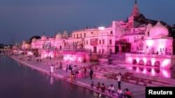 Kuil Hindu di kota Ayodhya, India.