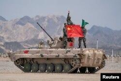 چین کا کہنا ہے کہ فوجی مشقوں کا ایک مقصد دہشت گردی کے خطرے کے مقابلے لیے لیے تیار ہونا ہے۔