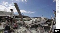 Người dân tại thủ đô đổ nát của Haiti đang trông chờ cứu trợ