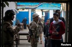 埃及选民星期二开始就新宪法投票
