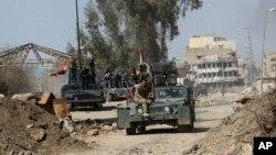 پیشروی ارتش عراق علیه داعش در مناطق غربی موصل در هفته های اخیر با کندی مواجه شده است.