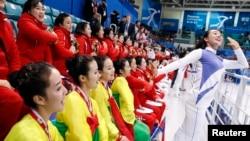 北韓婦女啦啦隊。