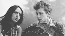 حضور«جون بائز» خواننده ضد جنگ ویتنام در جنبش وال استریت
