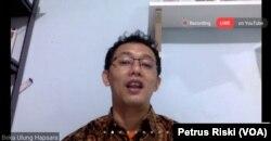 Komisioner Komisi Nasional Hak Asasi Manusia (Komnas HAM), Beka Ulung Hapsara dalam sebuah webinar. (Foto: VOA/Petrus Riski)
