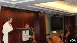 NED ရဲ့ ၂၀၁၂ခုႏွစ္ ဒီမိုကေရစီဆုေပးပြဲအခမ္းအနား၊ ဝါရွင္တန္ဒီစီ၊ အေမရိကန္။ (စက္တင္ဘာ ၂၀၊ ၂၀၁၂)