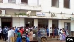 Protestos frente à empresa de electricidade