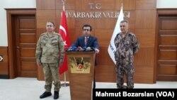 Diyarbakir Valisi Hasan Basri Güzeloğlu