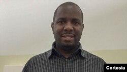 Josias Justino Cambinja Chaves, fisioterapeuta e professor