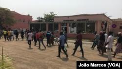 Polícia desviou uma marcha ao palácio do governador