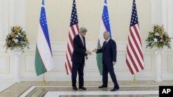 Джон Керри и Ислам Каримов