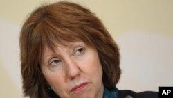 Catherine Ashton a appellé les autorités du Bangladesh à s'assurer que les usines du pays respectent les normes internationales de travail