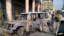 Irački vojnici na mestu napada u centru Bagdada