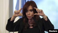 La presidenta argentina, Cristina Fernández, decretó la intervención inmediata de la petrolera YPF.