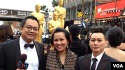 Tim VOA di Red Carpet Oscars 2014. Dari kiri ke kanan: Ian Umar, Ningrum Spicer, Irfan Ihsan.