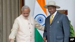 """印度本月26日至29日舉辦第三屆""""非洲峰會""""。圖為印度總理莫迪與烏干大總統。"""