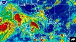 초강력 허리케인 잉그리드가 멕시코만으로 접근중인 사진
