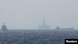 Giàn khoan Hải Dương 981 của Trung Quốc hoạt động trên Biển Đông năm 2014. Bắc Kinh vừa thông báo sẽ đưa giàn khoan này đến gần cửa vịnh Bắc Bộ từ tháng 6 đến tháng 9/2017.