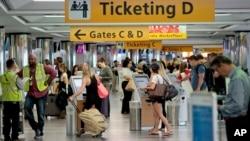 Se prevé que unos 2,6 millones de estadounidenses vuelen a sus destinos en el fin de semana de Memorial Day.