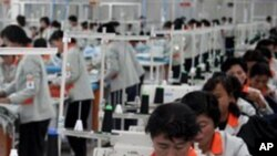 개성공단의 북한 근로자(자료사진)