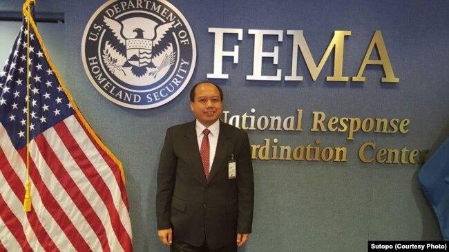 """Pak Sutopo ketika berada di FEMA berbagi cerita tentang Indonesia pada program """"All Warning and Risk Evaluation,"""" yang dibantu Pacific Disaster Center dan dibiayai pemerintah Amerika."""