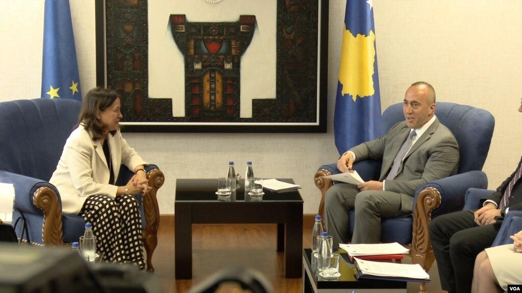 Ruiz Calavera: Shpresojmë për liberalizim të shpejtë të vizave për Kosovën