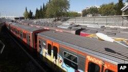 Пригородные электрички в депо Афин (архивное фото)
