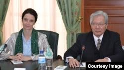 BMT rasmiylari Helena Freyzer va Tadamichi Yamamoto, Toshkent, 5-fevral, 2019