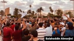Aksi demo di Tripoli, Libya, 23 Agustus 2020. (VOA/Salaheddin Almorjini)
