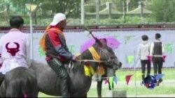 藏人庆祝玉树赛马节