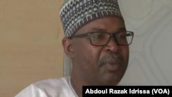 Moussa Tchangari, secrétaire général de l'association Alternatives Espaces Citoyens, à Diffa, Niger, 1er septembre 2016. (VOA/Abdoul Razak Idrissa)