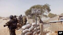 Lutte contre Boko Haram à la frontière entre le Nigeria et le Cameroun, le 25 février 2015.