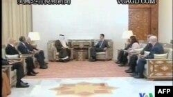 Сирийский президент Башар Асад (в центре - справа) на переговорах с делегацией Лиги арабских государств. Дамаск, 26 октября 2011г.