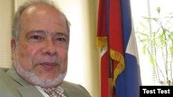 Chèf misyon diplomatik peyi d Ayiti nan Ottawa, Anbasadè Frantz Liautaud.