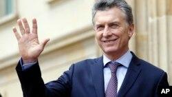 La visita de Macri a la Casa Blanca, prevista a extenderse por dos horas, es la primera de un presidente argentino desde 2003.