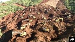 缅甸玉矿区2015年11、12月连续两度发生严重山体滑坡事件