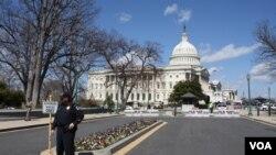 Dos edificios del Congreso fueron evacuados de forma parcial. [Foto Mitzi Macias, VOA].