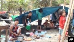 因為泰柬邊境衝突而被迫離開家園的難民