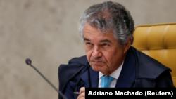 El juez Marco Aurelio Mello en una sesión de la Corte Suprema sobre el habeas corpus solicitado en favor del ex mandatario Luiz Inácio Lula da Silva en Brasilia, abr 4,, 2018. REUTERS/Adriano Machado