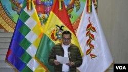 Gobierno de Bolivia confirmó que 487 ciudadanos retornaron al país y condena la agresión de grupos durante su traslado. [Foto: Yuvinva Gozalvez Avilés].