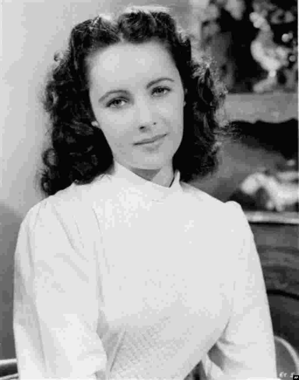 Elizabeth Taylor (File 1946) - AP