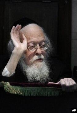 Rabbi Elyashiv meninggal dunia di usia 102 tahun (18/7).
