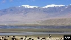 Tacikistan Çin'e Toprak Verdi